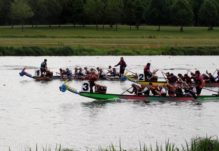yolanda dragon boat in lane 3 racing