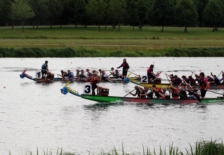 yolanda dragon boat in lane 3 racing