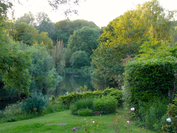 tranquil river side haven wiltshire