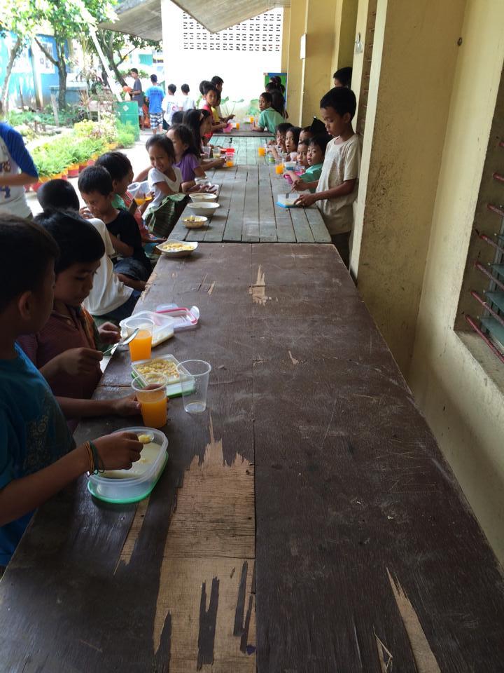 Feeding the kids in Liloan 3