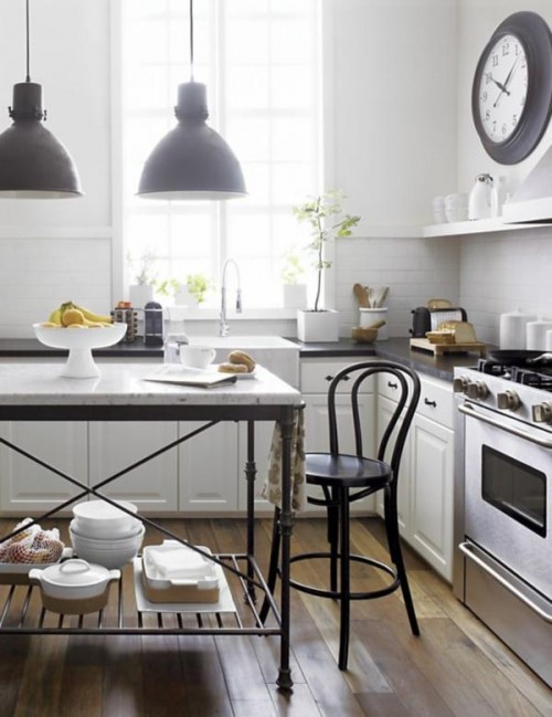 white-walls-bistro-kitchen