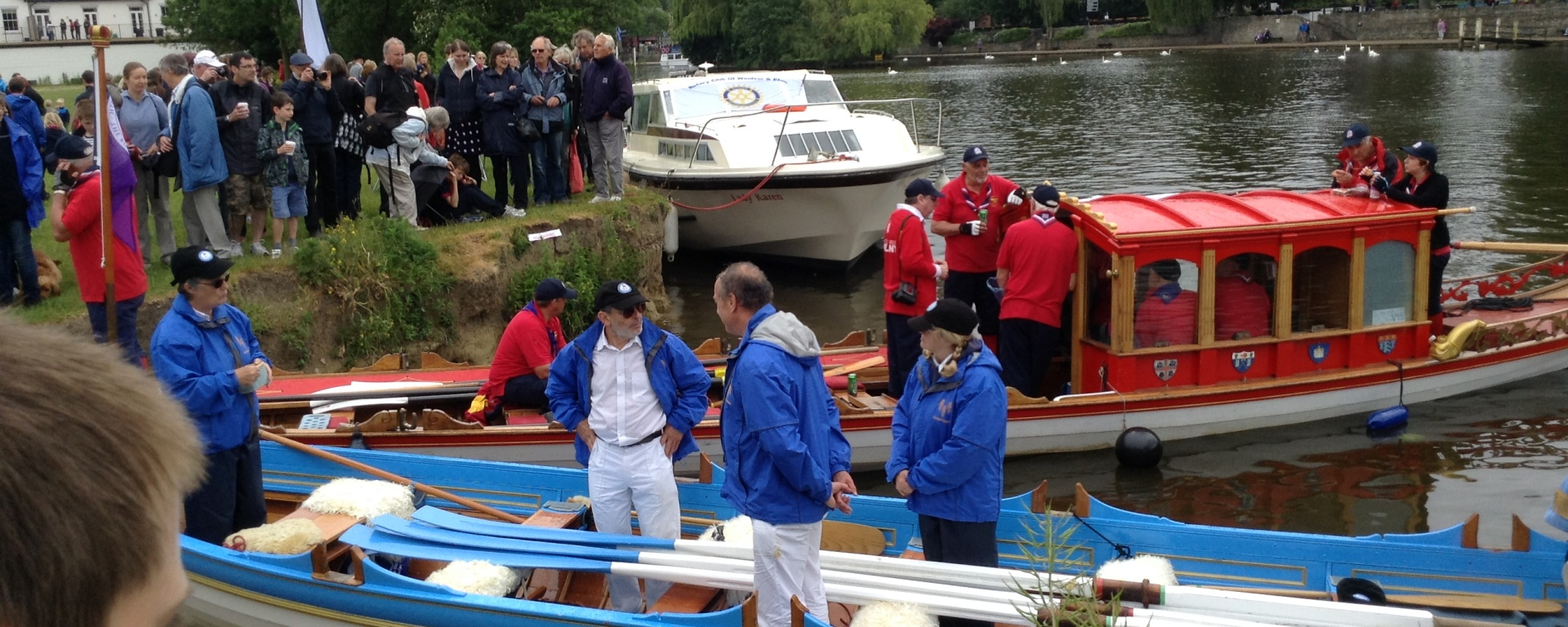 boats land at the broccas to deliver magna carta